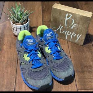 Boys Nike Size 2.5 Y lunarglide 3